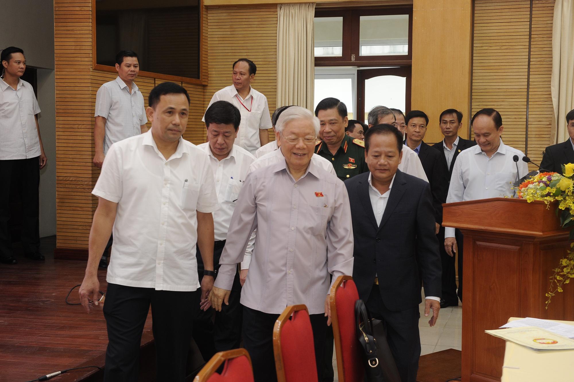 Cử tri mong Tổng Bí thư, Chủ tịch nước tiếp tục chỉ đạo mạnh hơn công tác phòng, chống tham nhũng - Ảnh 1.