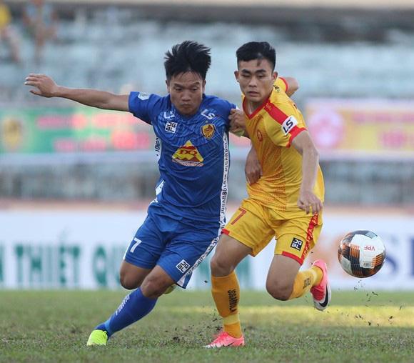 Đinh Thanh Trùng cùng Quảng Nam đã thắng Thanh Hóa 2-1 ở vòng 3 giai đoạn 1 V.League 2020.