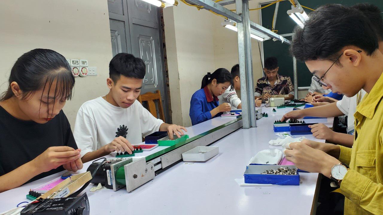 Hà Nội: Hơn 127 tỷ đồng trợ cấp thất nghiệp đã đến với người lao động - Ảnh 1.