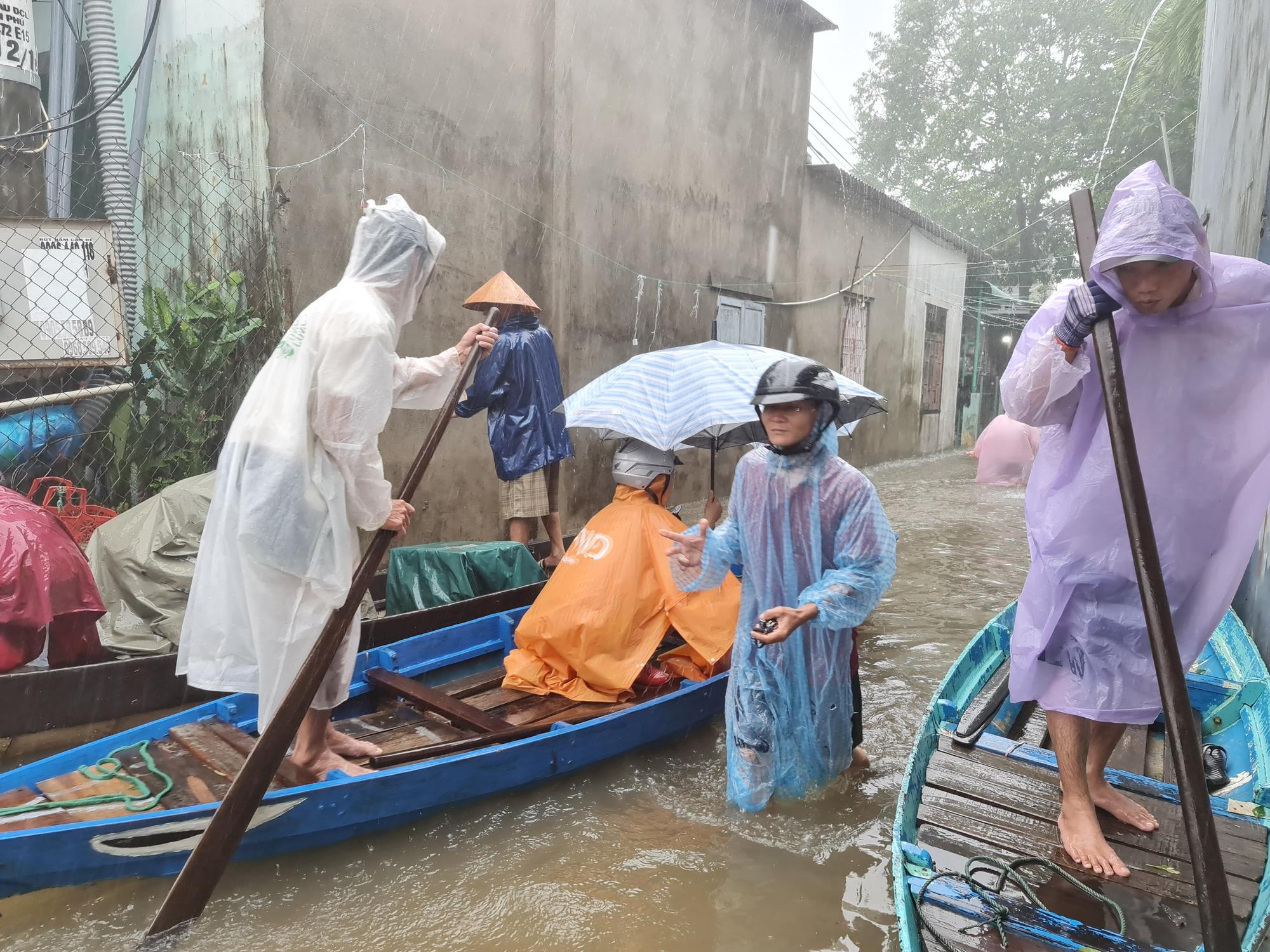 Quảng Nam: Yêu cầu các thủy điện hạ mực nước hồ để đón lũ - Ảnh 1.