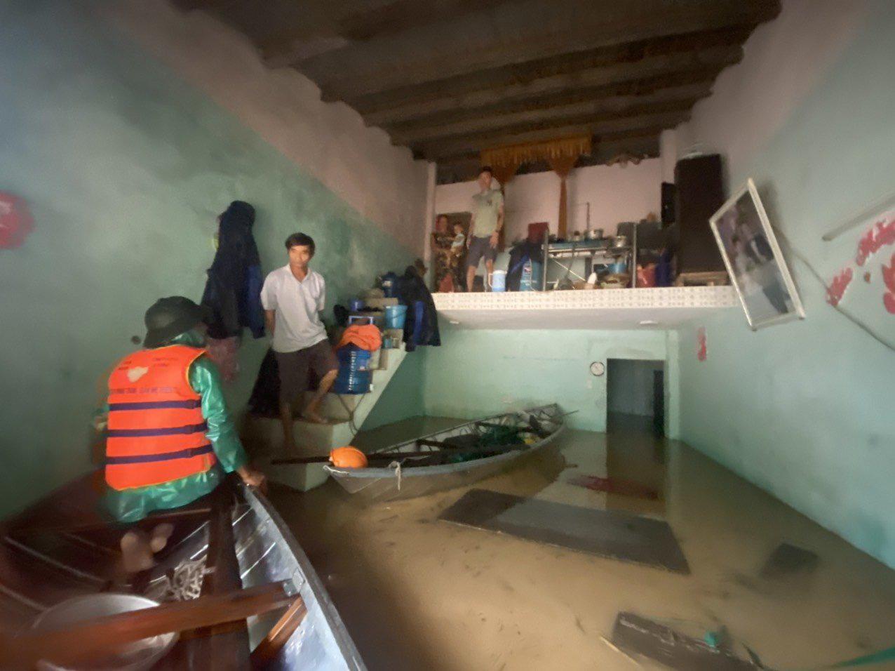 Quảng Nam: Yêu cầu các thủy điện hạ mực nước hồ để đón lũ - Ảnh 3.