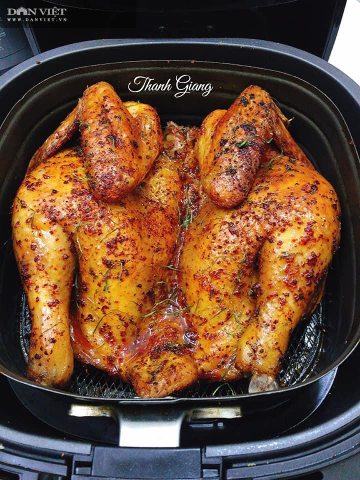 Tuyệt chiêu làm gà nướng muối ớt giòn bên ngoài, mềm bên trong bằng nồi chiên không dầu - Ảnh 1.