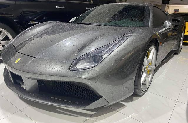 Tin xe (15/10): Khám phá xe sang chảnh của Hoàng Thùy Linh, doanh nhân Hải Phòng bán Ferrari - Ảnh 2.