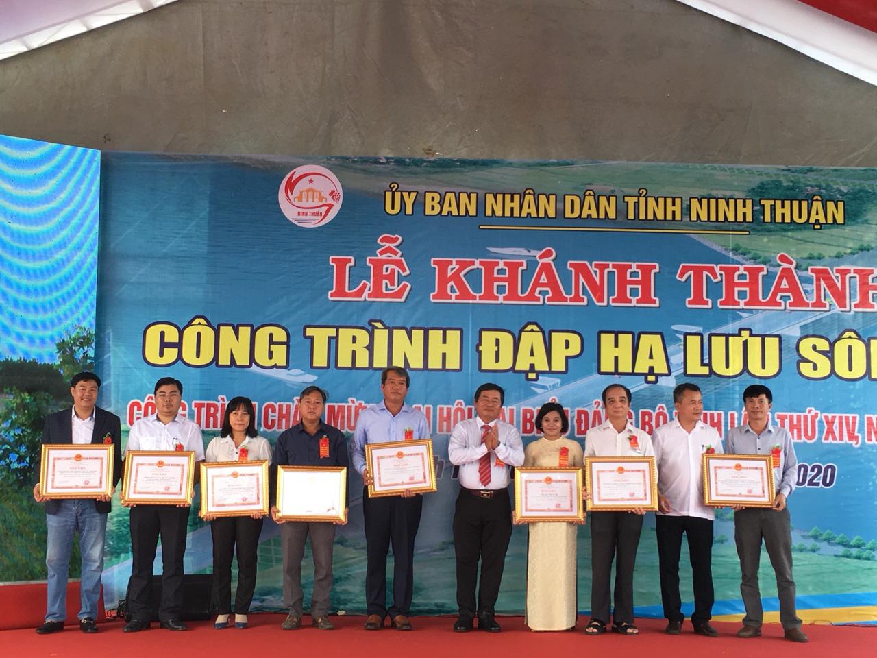 Khánh thành công trình đập hạ lưu Sông Dinh với tổng vốn gần 700 tỷ đồng - Ảnh 3.