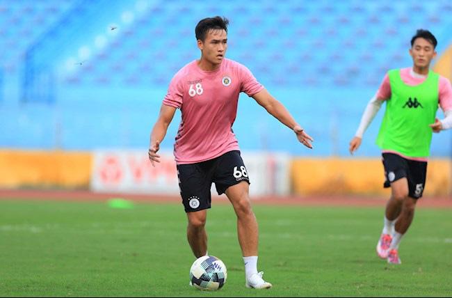 """""""Trung vệ ghi bàn"""" của Hà Nội FC có hiệu suất hơn cả Quang Hải - Ảnh 2."""