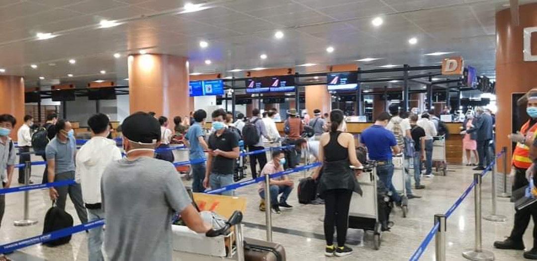 Mở lại chuyến bay quốc tế: Dân mòn mỏi chờ các bộ, địa phương bàn quy trình cách ly - Ảnh 1.