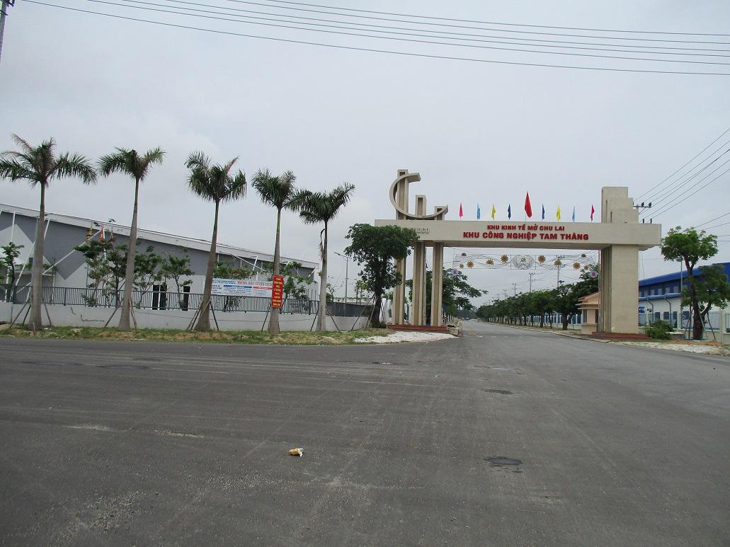 Chủ tịch UBND tỉnh Quảng Nam: Kêu gọi tư nhân đầu tư vào sân bay Chu Lai - Ảnh 3.