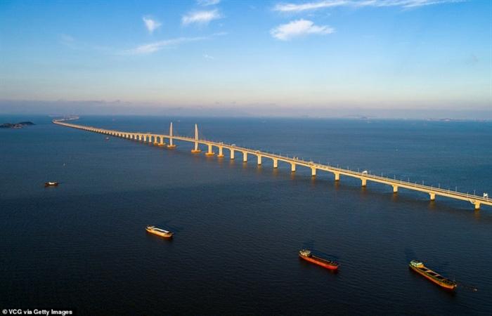 Chiêm ngưỡng cây cầu vượt biển dài nhất thế giới tại Trung Quốc - Ảnh 5.