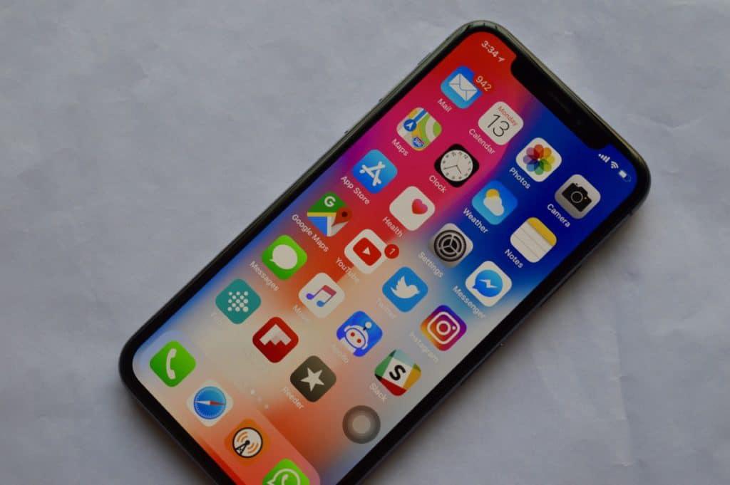 Đang dùng iPhone X có nên nâng cấp lên iPhone 12? - Ảnh 2.