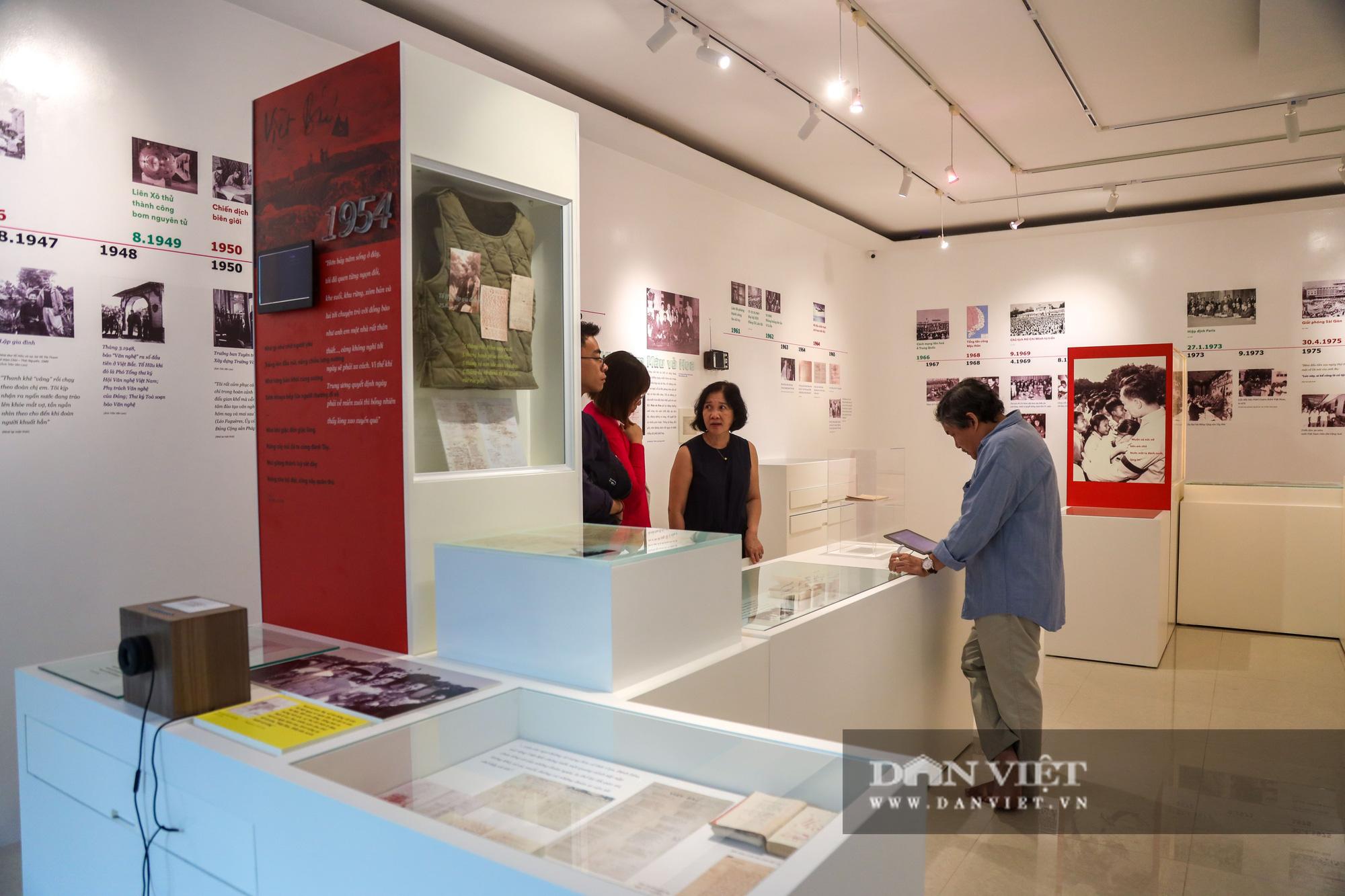 """Chiêm ngưỡng """"bảo tàng thơ"""" Tố Hữu mới xuất hiện tại Hà Nội - Ảnh 1."""