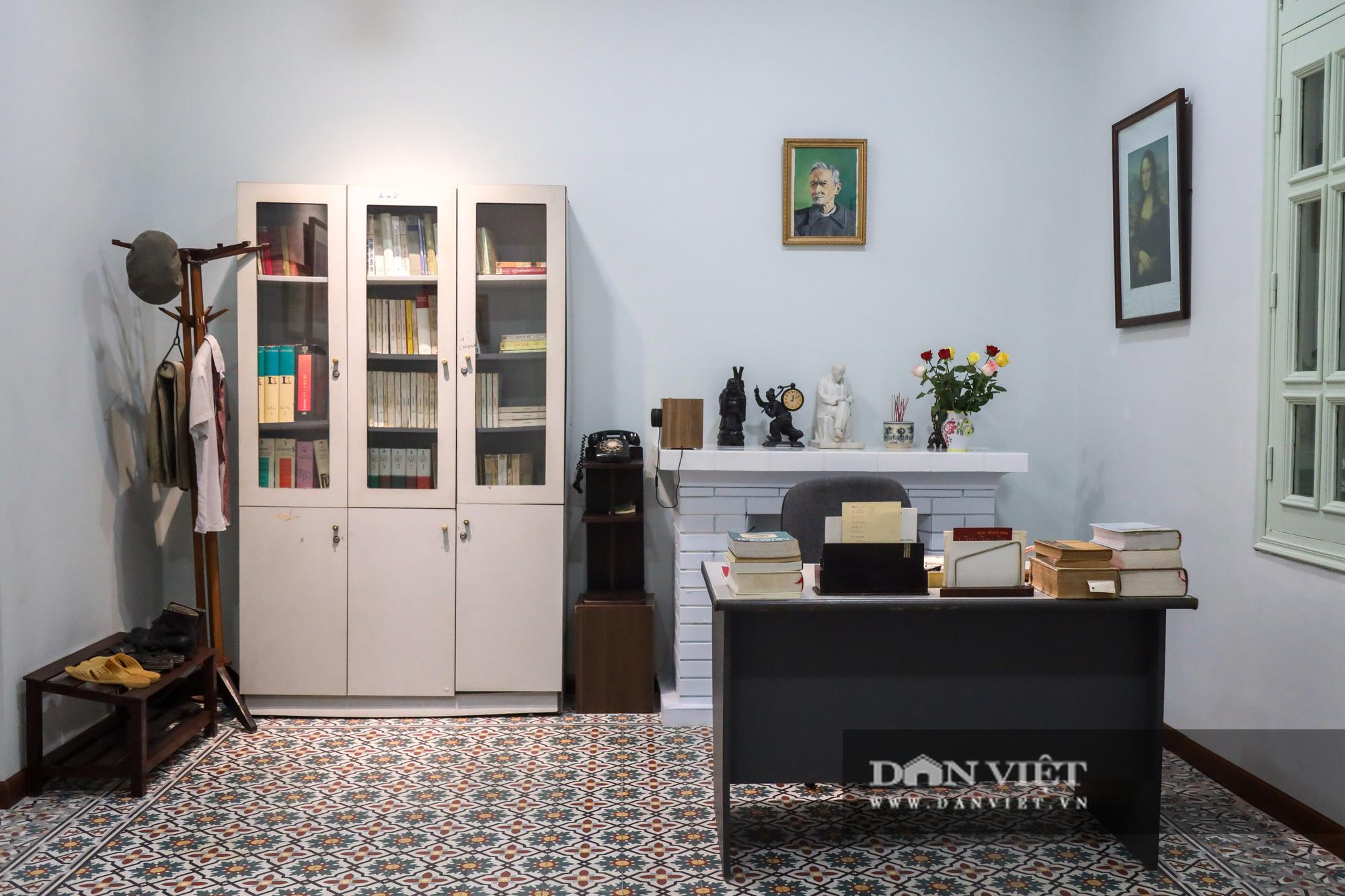 """Chiêm ngưỡng """"bảo tàng thơ"""" Tố Hữu mới xuất hiện tại Hà Nội - Ảnh 11."""