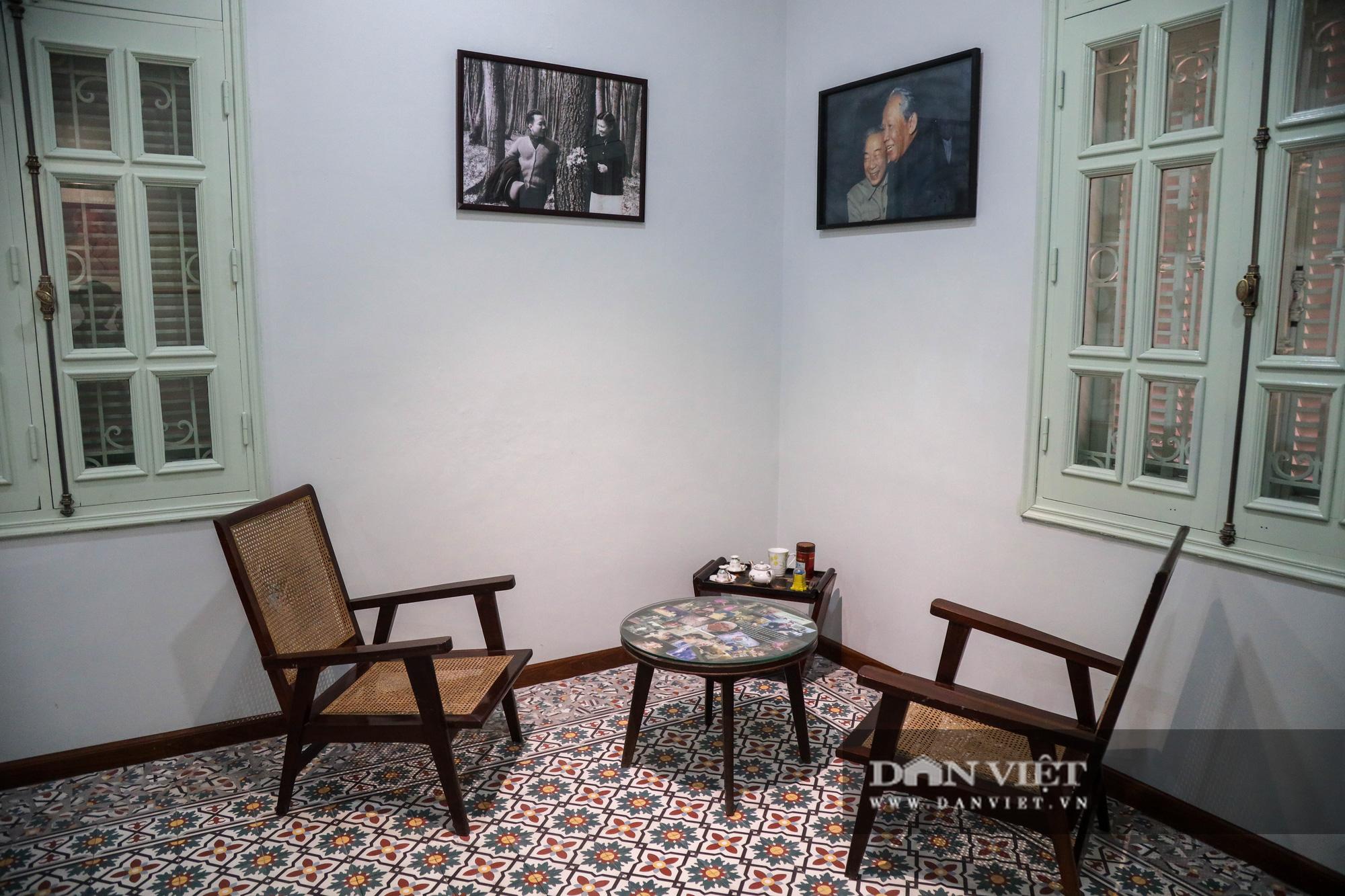 """Chiêm ngưỡng """"bảo tàng thơ"""" Tố Hữu mới xuất hiện tại Hà Nội - Ảnh 12."""