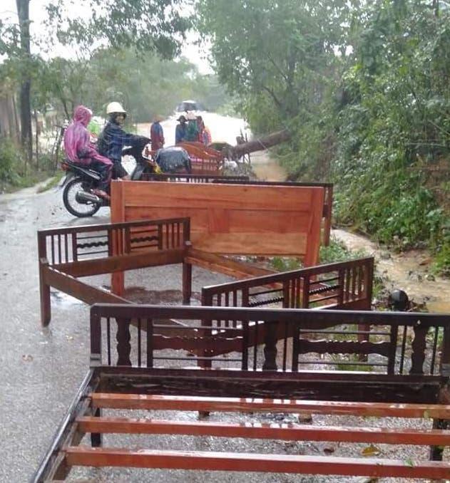 Quảng Trị: Nước sông lên nhanh, nhà ngập tận mái - Ảnh 6.