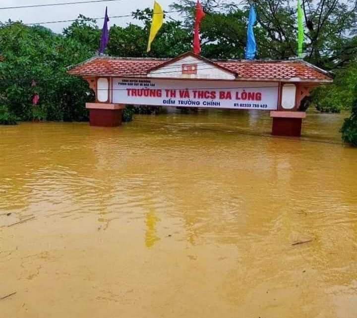 Quảng Trị: Nước sông lên nhanh, nhà ngập tận mái - Ảnh 2.