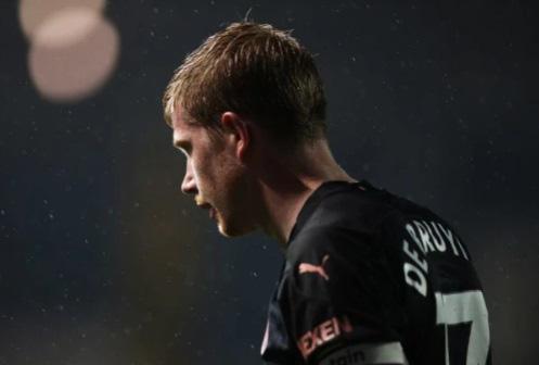 5 cầu thủ hưởng lương cao nhất Ngoại Hạng Anh: Thành Manchester vô đối - Ảnh 4.