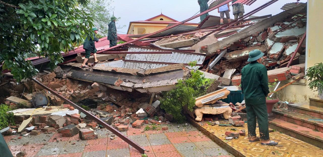 Quảng Trị: Dân kêu cứu trong đêm, nhiều điểm sạt lở, chia cắt, cảnh báo mưa lớn còn tiếp diễn - Ảnh 3.