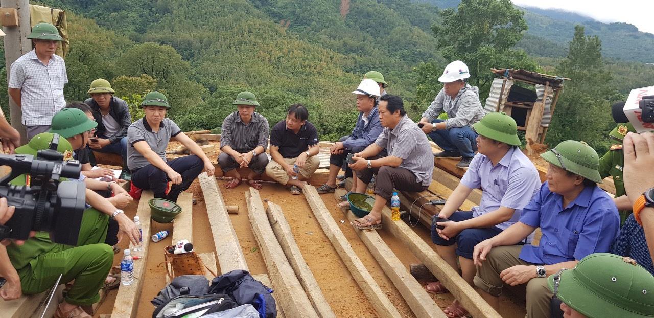 Sạt lở vùi lấp 22 cán bộ, chiến sĩ ở Quảng Trị, tìm thấy nhiều thi thể  - Ảnh 8.