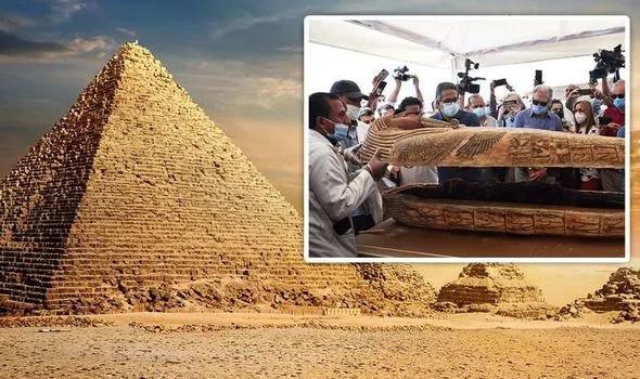 """Sững sờ phát hiện """"báu vật"""" 4.000 năm tuổi trong quan tài cổ ở Ai Cập   - Ảnh 1."""