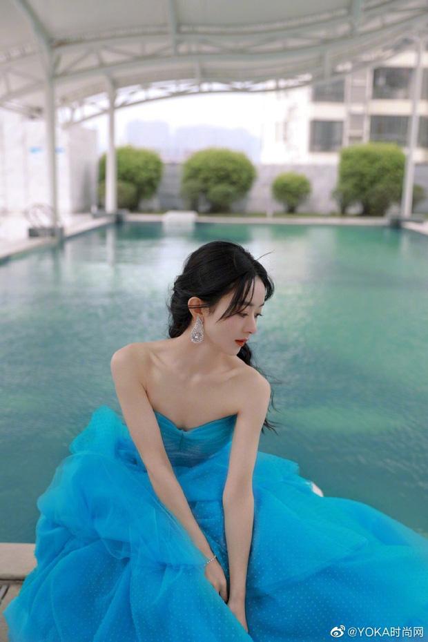 """5 mỹ nhân Trung Quốc đời thường: Triệu Lệ Dĩnh quyến rũ hút mắt, """"Nữ thần Kim Ưng"""" vẫn bị chê điều này - Ảnh 3."""