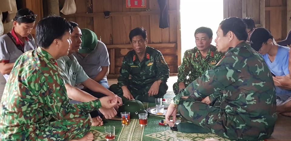 Tìm được 11 thi thể trong vụ sạt lở vùi 22 chiến sĩ Đoàn 337  - Ảnh 1.