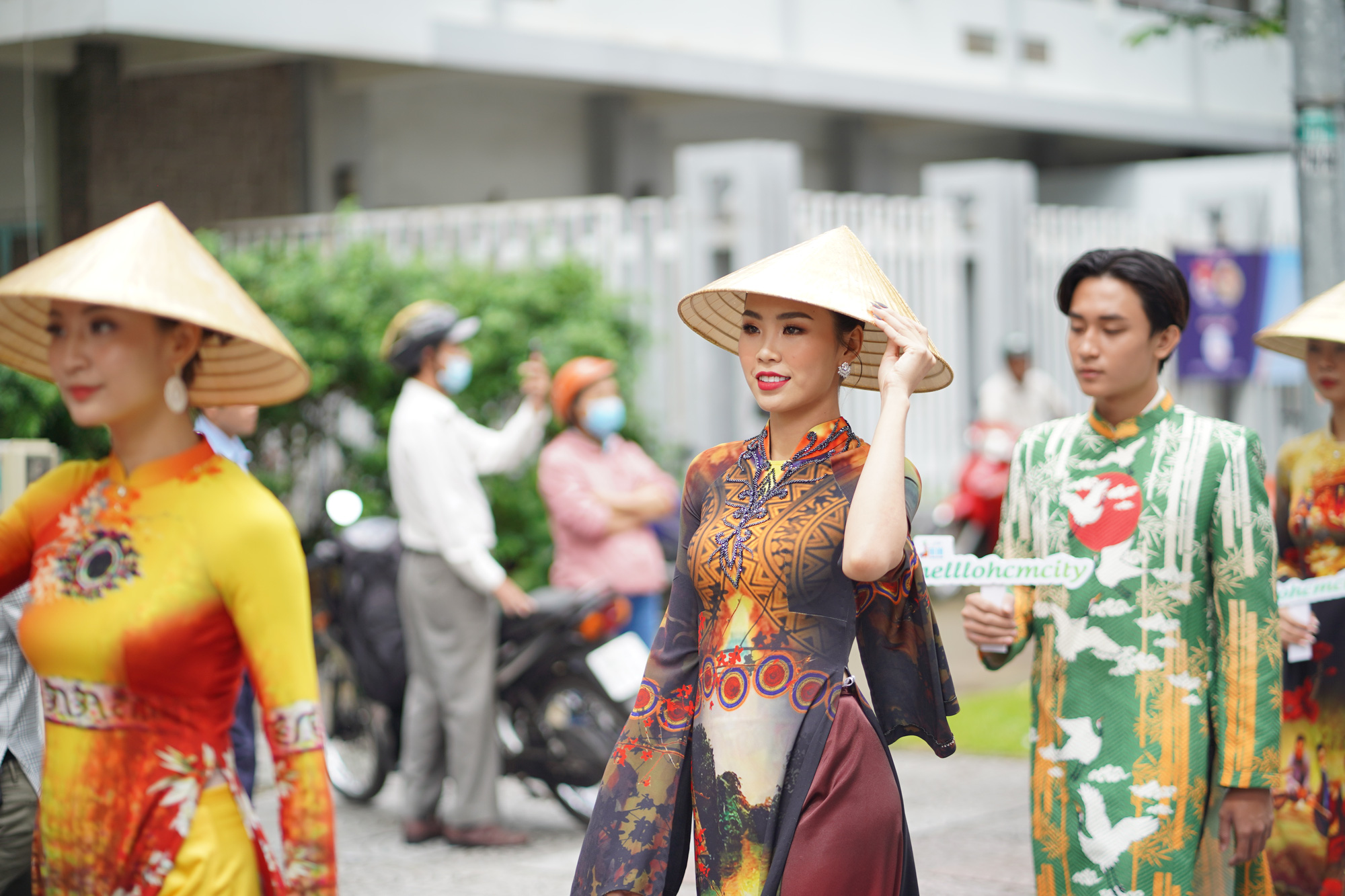 TP.HCM: Lan tỏa hoạt động truyền cảm hứng về áo dài - Ảnh 4.
