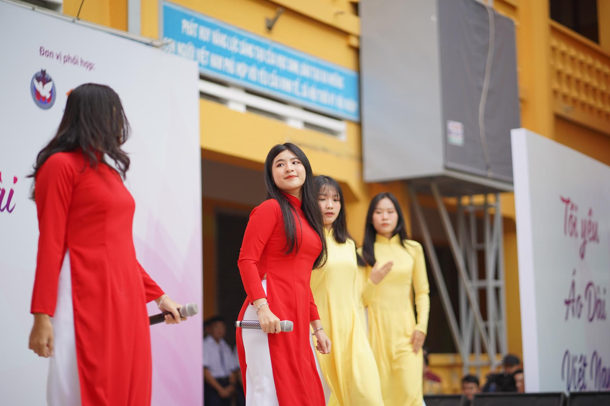 TP.HCM: Lan tỏa hoạt động truyền cảm hứng về áo dài - Ảnh 2.