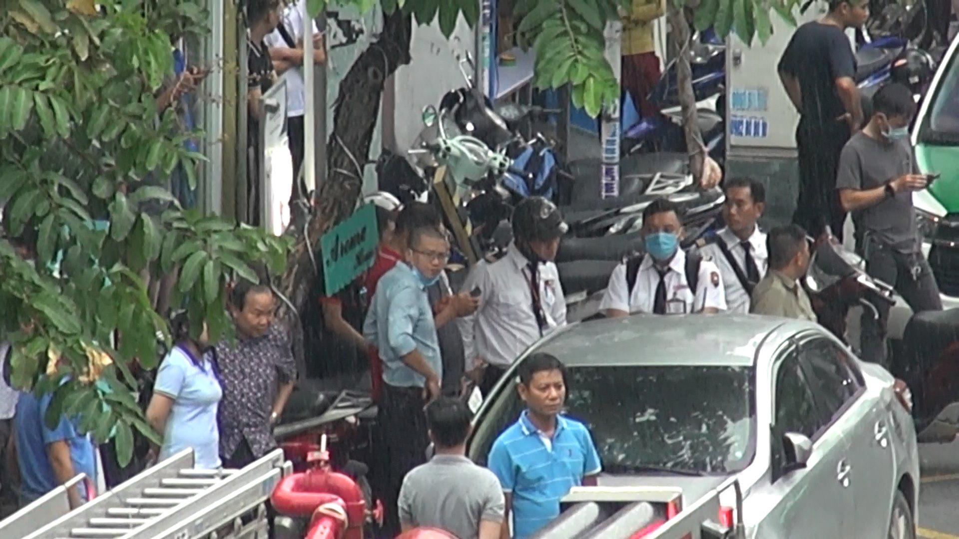 Cô gái cướp 2,1 tỉ đồng tại Techcombank Tân Phú khai lý do làm liều - Ảnh 2.