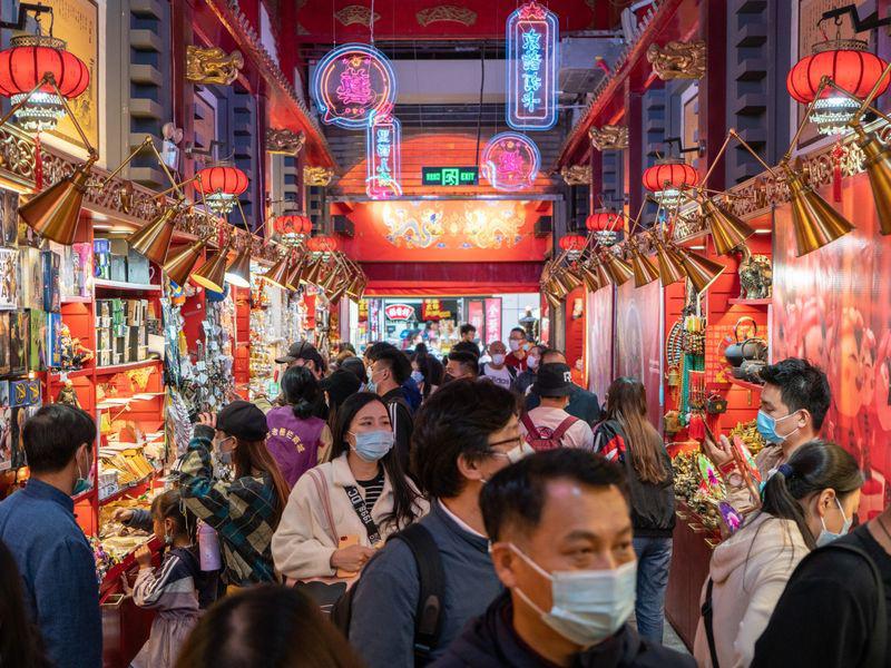 Đằng sau con số tăng trưởng GDP quý III 'màu hồng' của Trung Quốc - Ảnh 1.