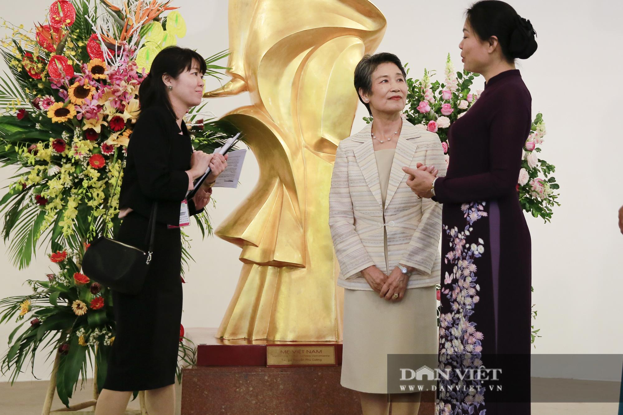 Phu nhân Thủ tướng Nhật Bản tham quan bảo tàng Phụ nữ Việt Nam - Ảnh 3.