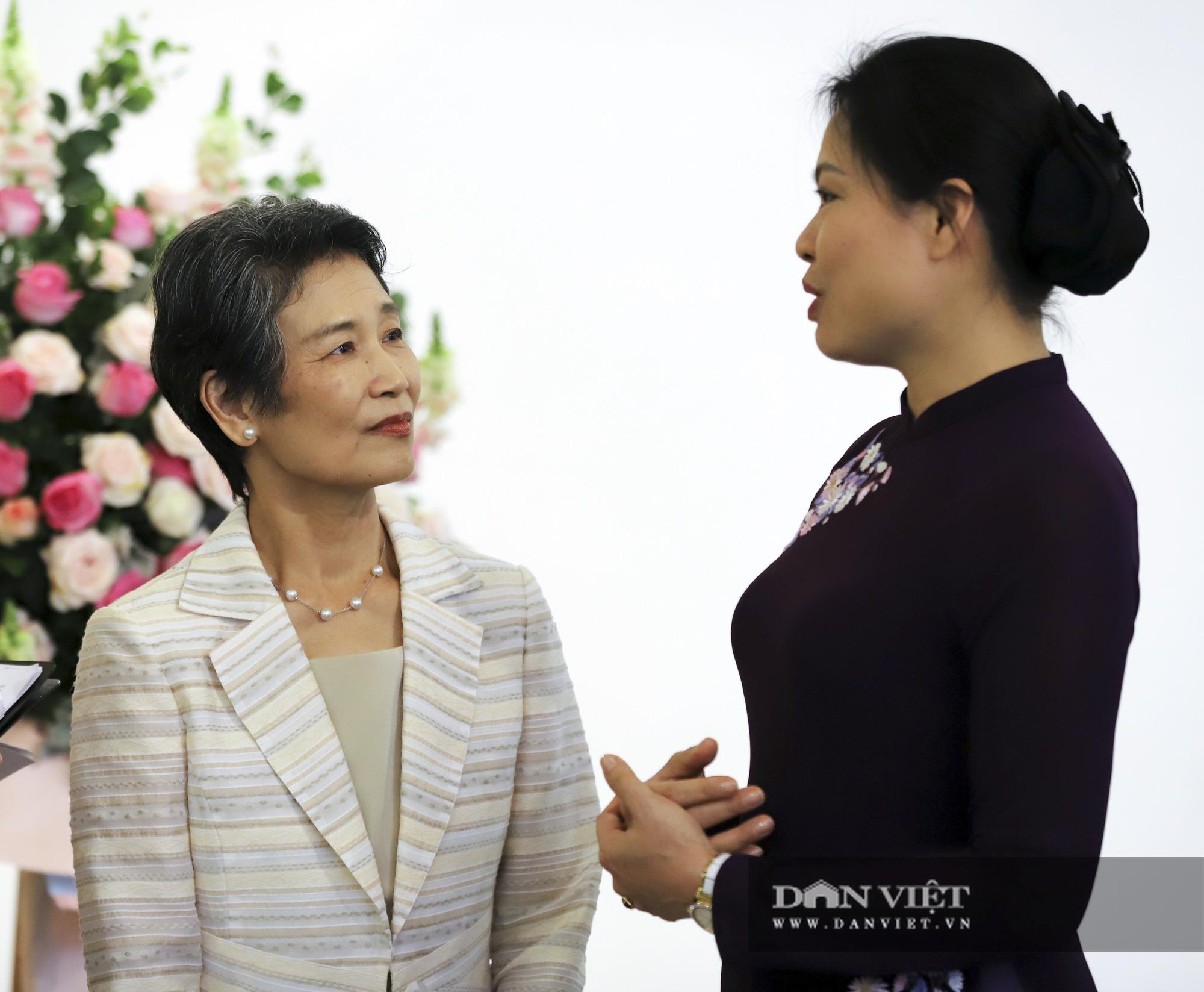 Phu nhân Thủ tướng Nhật Bản tham quan bảo tàng Phụ nữ Việt Nam - Ảnh 4.