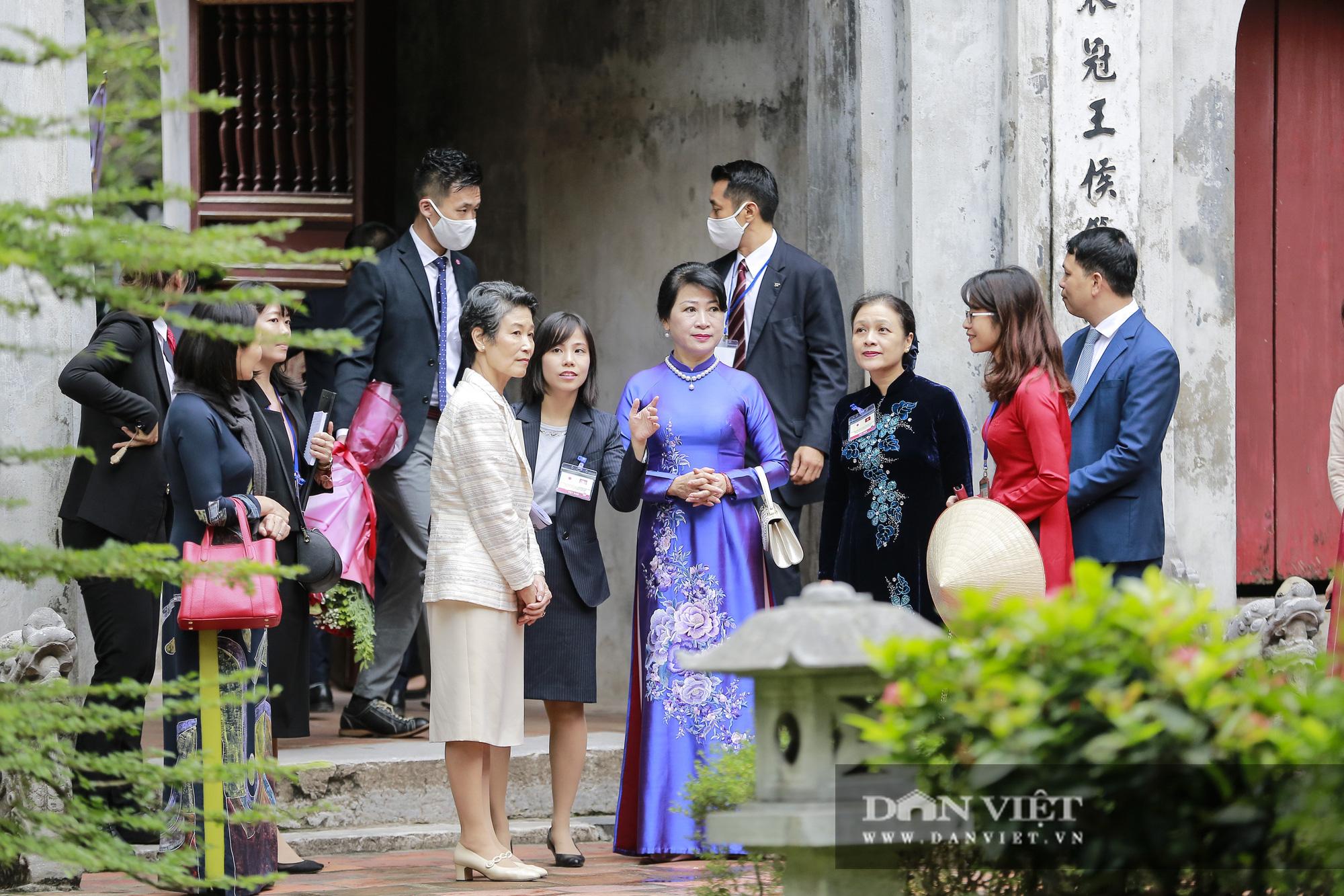 Phu nhân Thủ tướng Nhật Bản tham quan bảo tàng Phụ nữ Việt Nam - Ảnh 7.