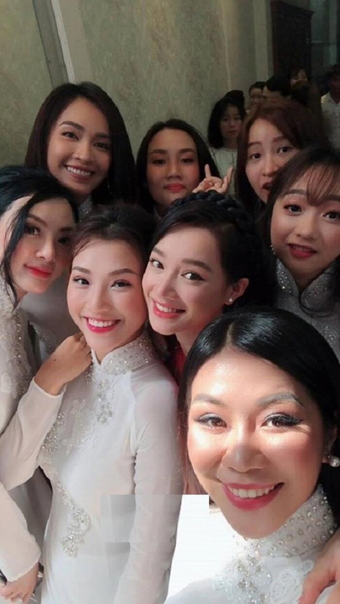 Khi các nàng hậu Việt làm phù dâu, cô dâu xinh đến mấy cũng thấp thỏm vì sợ bị chiếm sóng - Ảnh 1.