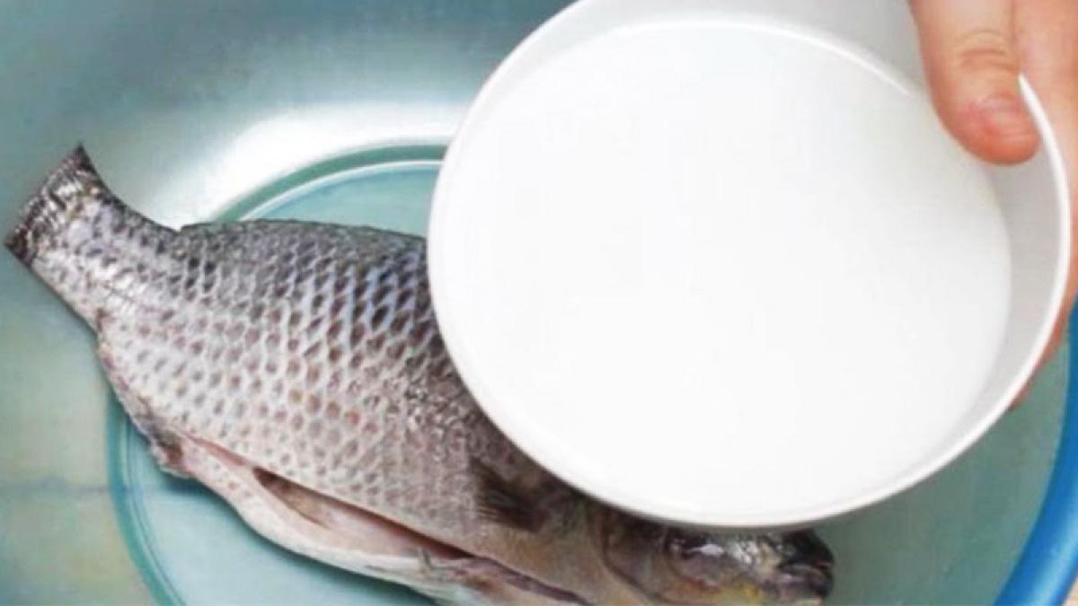 """Cá kho không tanh, đậm đà, chắc thịt nhất định phải học """"bí kíp"""" này - Ảnh 1."""