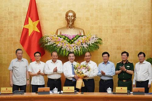 Bộ trưởng Chu Ngọc Anh- tân Chủ tịch UBND TP.Hà Nội: Đây là giây phút đặc biệt với tôi - Ảnh 1.