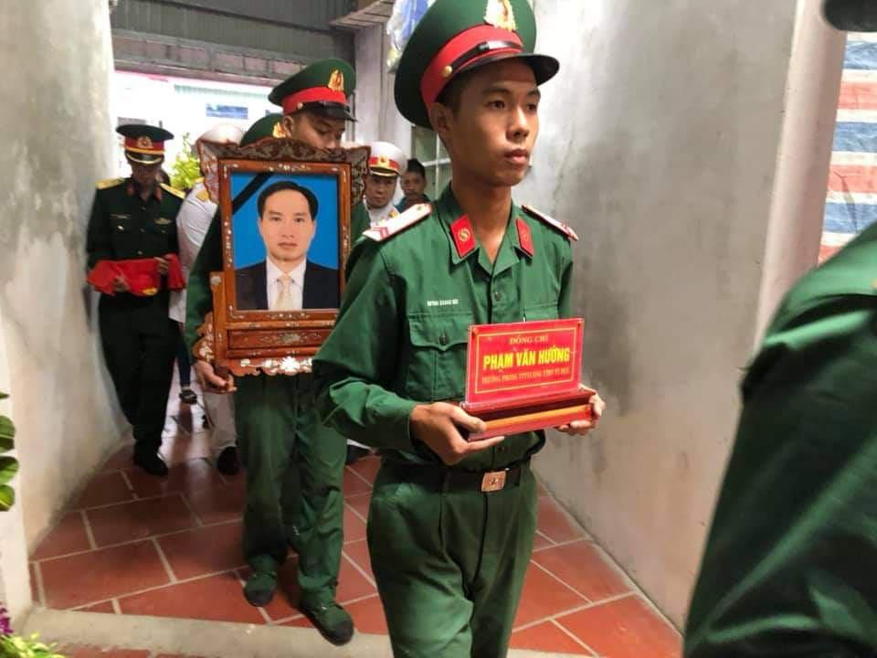 Nhà báo hy sinh khi tham gia cứu nạn ở Rào Trăng 3 về với đất mẹ Thái Bình - Ảnh 2.