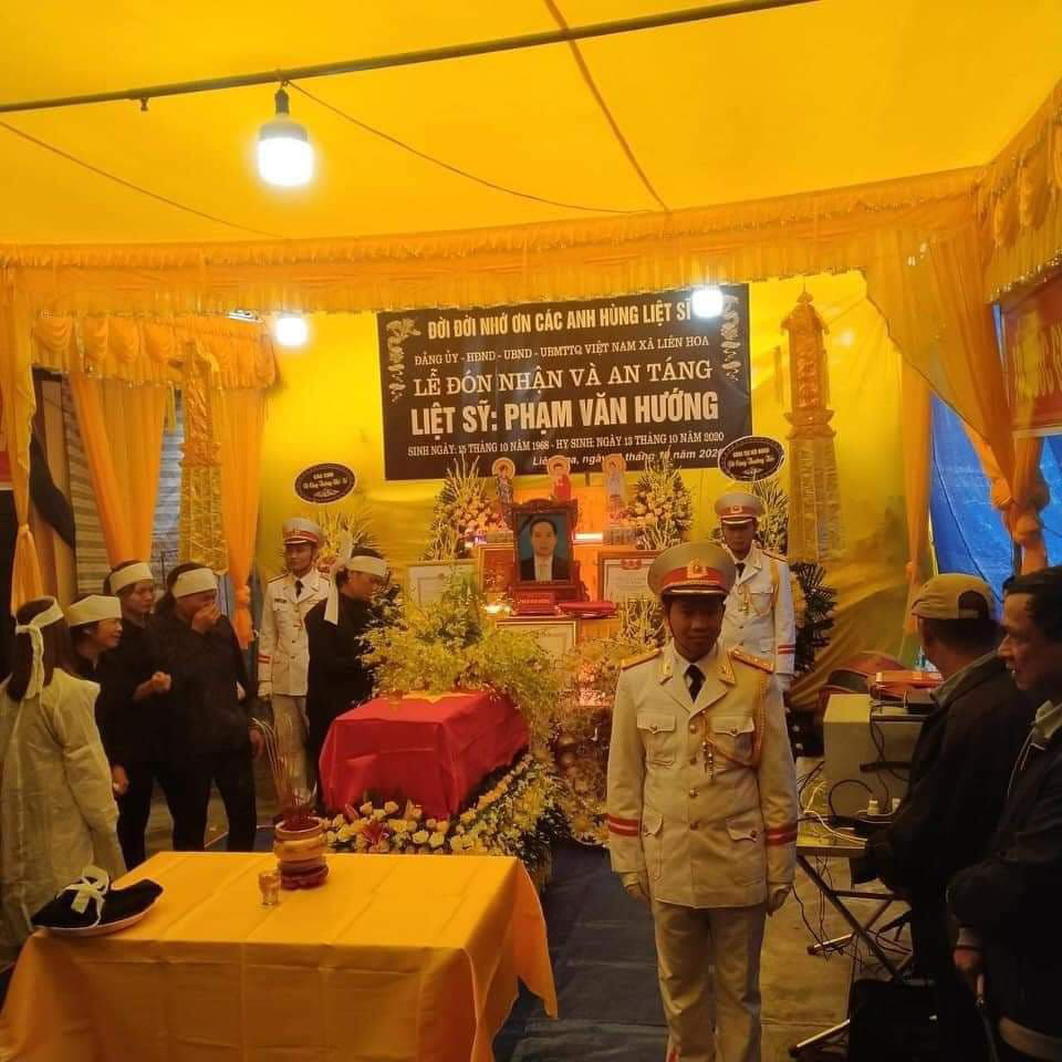 Nhà báo hy sinh khi tham gia cứu nạn ở Rào Trăng 3 về với đất mẹ Thái Bình - Ảnh 4.