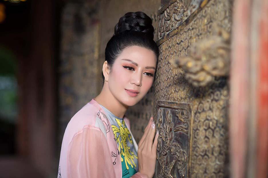 Đinh Hiền Anh tổ chức đêm nhạc quyên góp đồng bào vùng lũ miền Trung  - Ảnh 2.