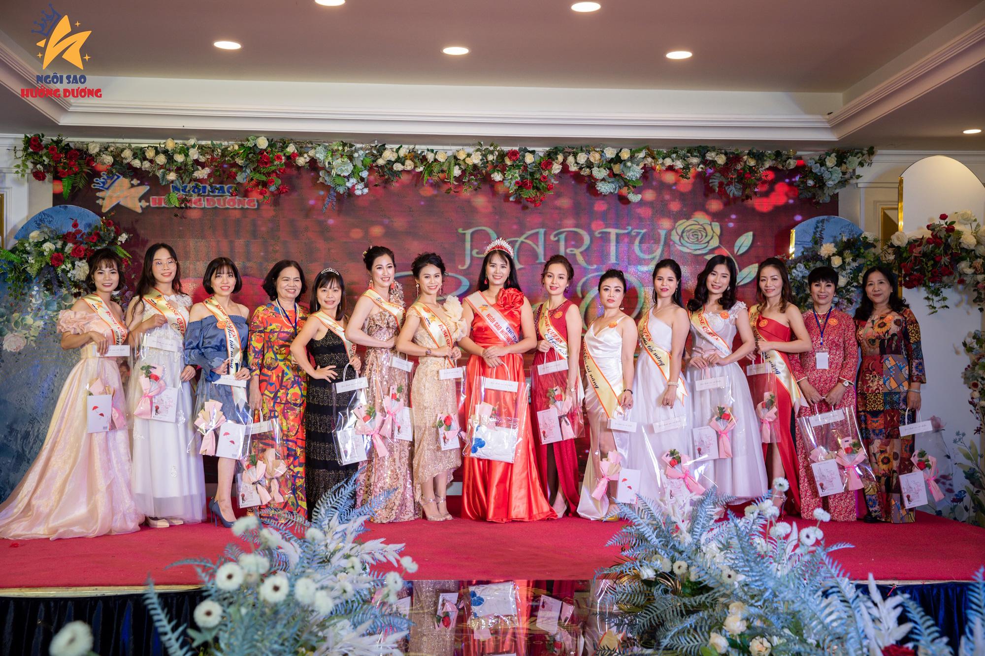 Nhà thơ Phạm Thị Ngọc Thanh làm thơ tặng phụ nữ nhân dịp 20/10 - Ảnh 4.