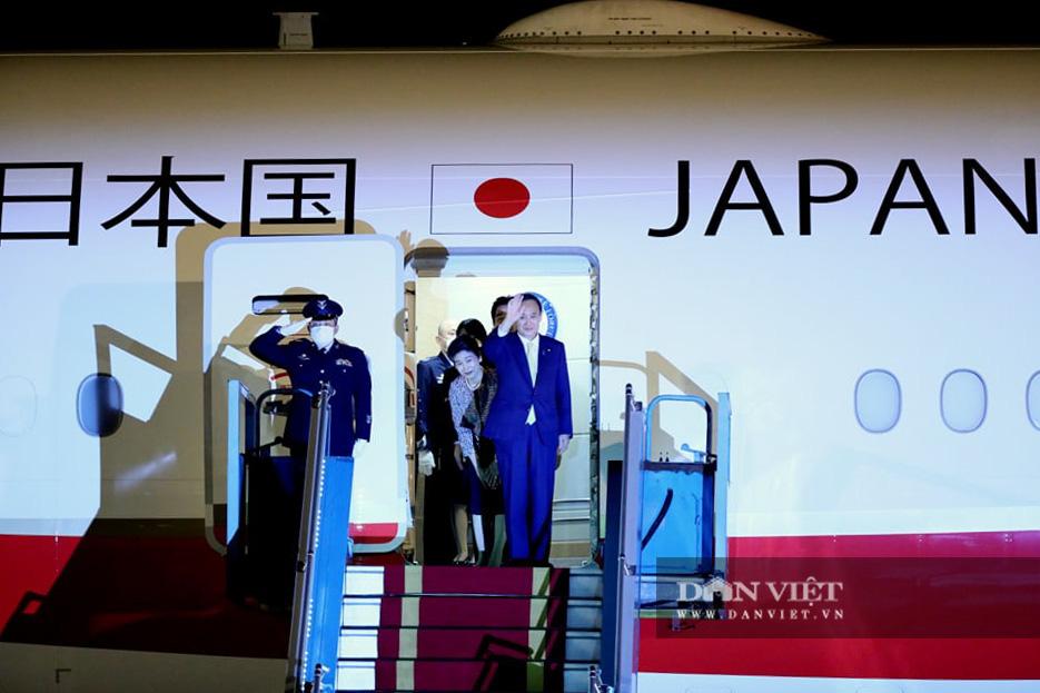 Nhìn lại những hoạt động của Thủ tướng Nhật Bản Suga Yoshihide trong 2 ngày tại Việt Nam - Ảnh 1.