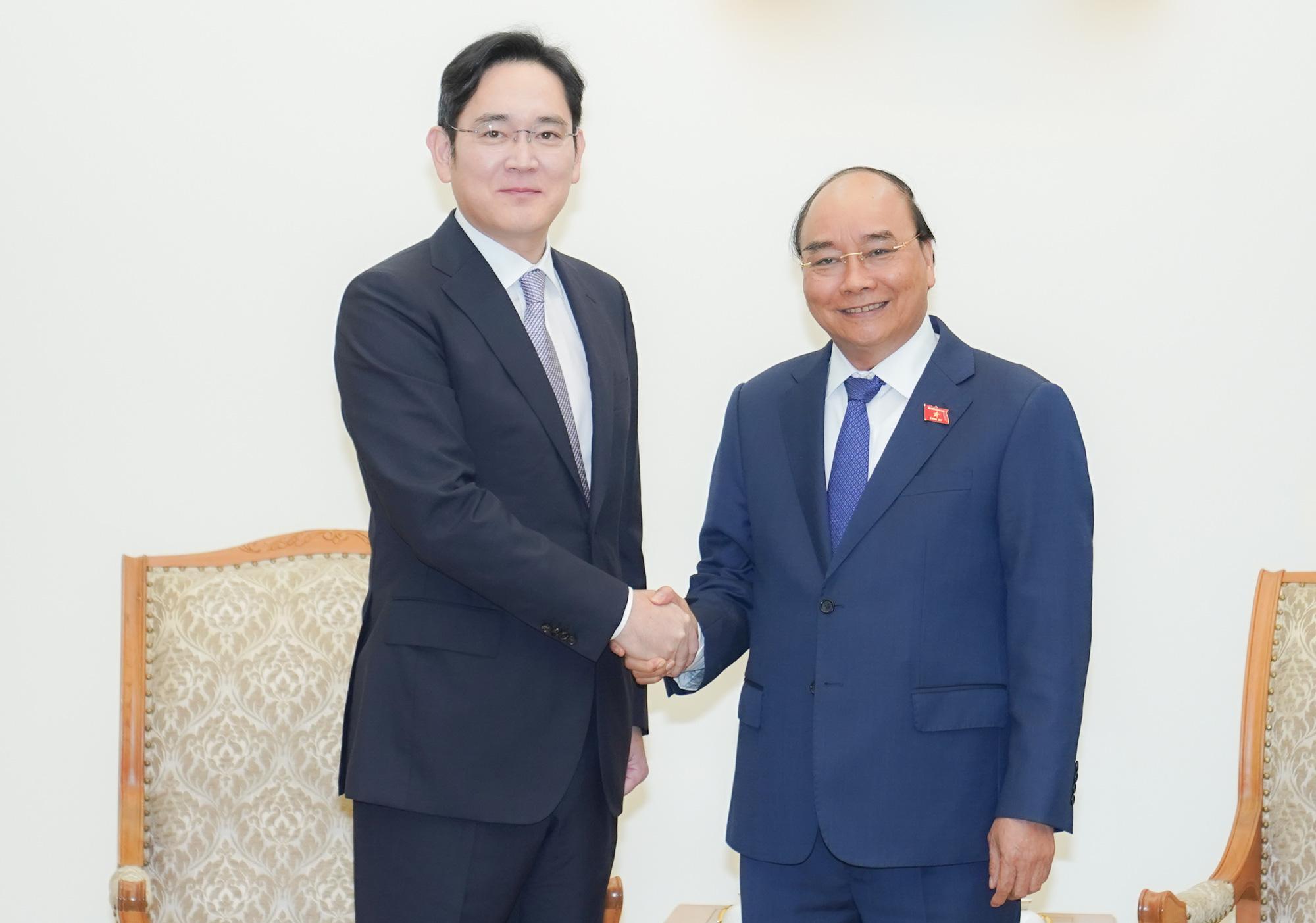 """Thái tử Samsung: """"Mỗi lần đến Việt Nam lại thấy có thêm các tòa nhà mới, con đường mới, các khách sạn tốt"""" - Ảnh 1."""