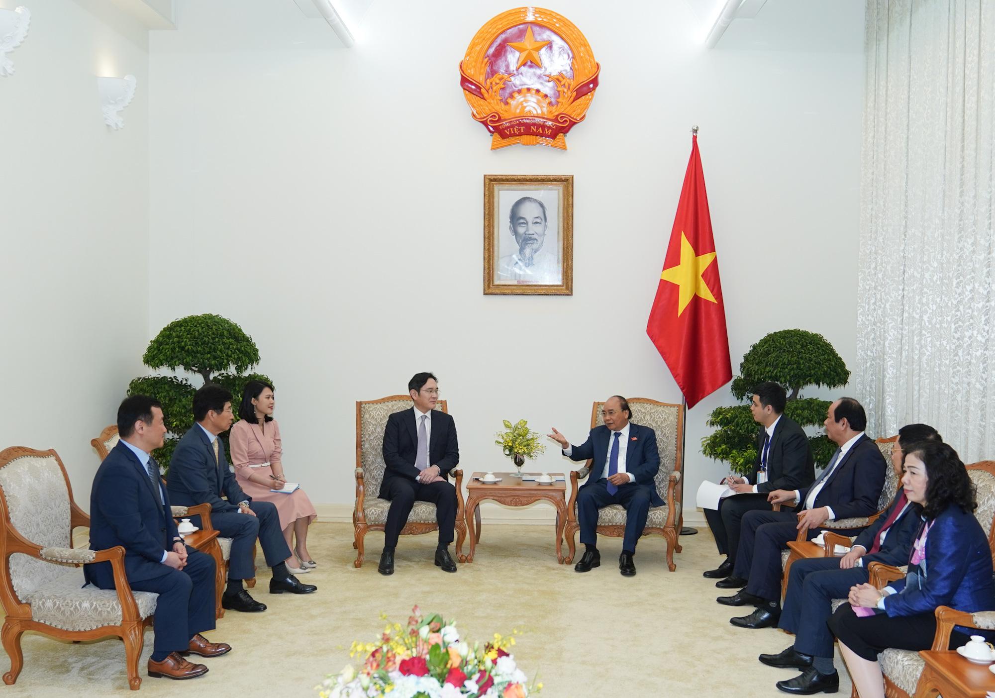 """Thái tử Samsung: """"Mỗi lần đến Việt Nam lại thấy có thêm các tòa nhà mới, con đường mới, các khách sạn tốt"""" - Ảnh 2."""