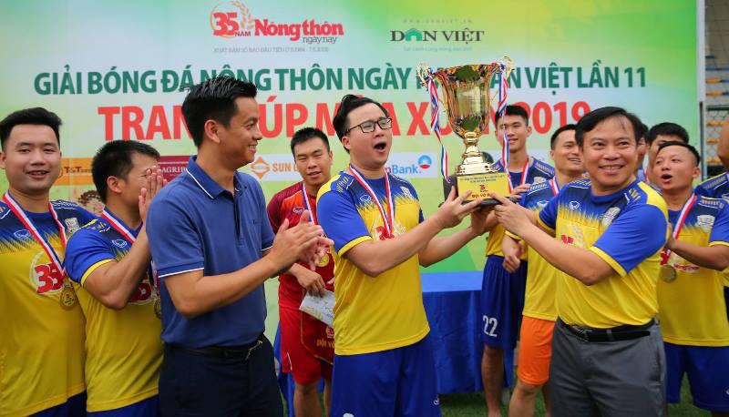"""Đội trưởng Hà Nội FC Nguyễn Văn Quyết: """"Giải bóng đá báo NTNN/Dân Việt lan tỏa tinh thần thể thao"""" - Ảnh 3."""