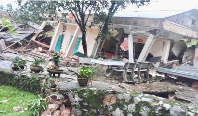 Quảng Bình: Đồn Biên phòng Cha Lo liên tiếp sạt lở, nhiều dãy nhà bị sập - Ảnh 2.