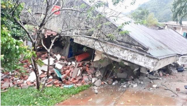 Quảng Bình: Đồn Biên phòng Cha Lo liên tiếp sạt lở, nhiều dãy nhà bị sập - Ảnh 1.