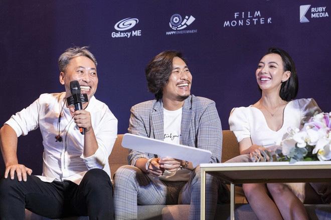 """Khán giả suất chiếu đầu tiên của """"Tiệc trăng máu"""" nô nức chấm điểm tối đa, rời rạp các netizen vội review """"nóng"""" - Ảnh 4."""
