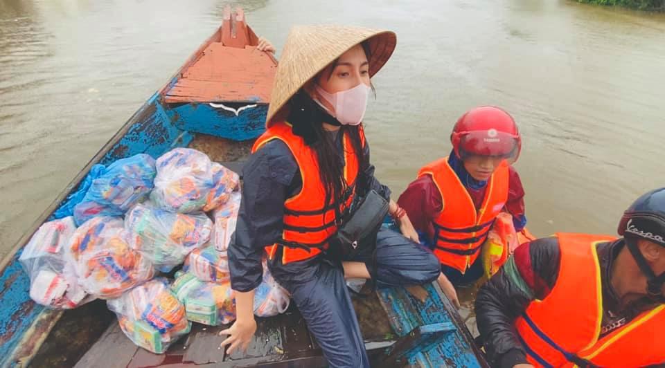 Ca sĩ Thuỷ Tiên kêu gọi được hơn 105 tỷ đồng ủng hộ đồng bào lũ lụt miền Trung - Ảnh 2.