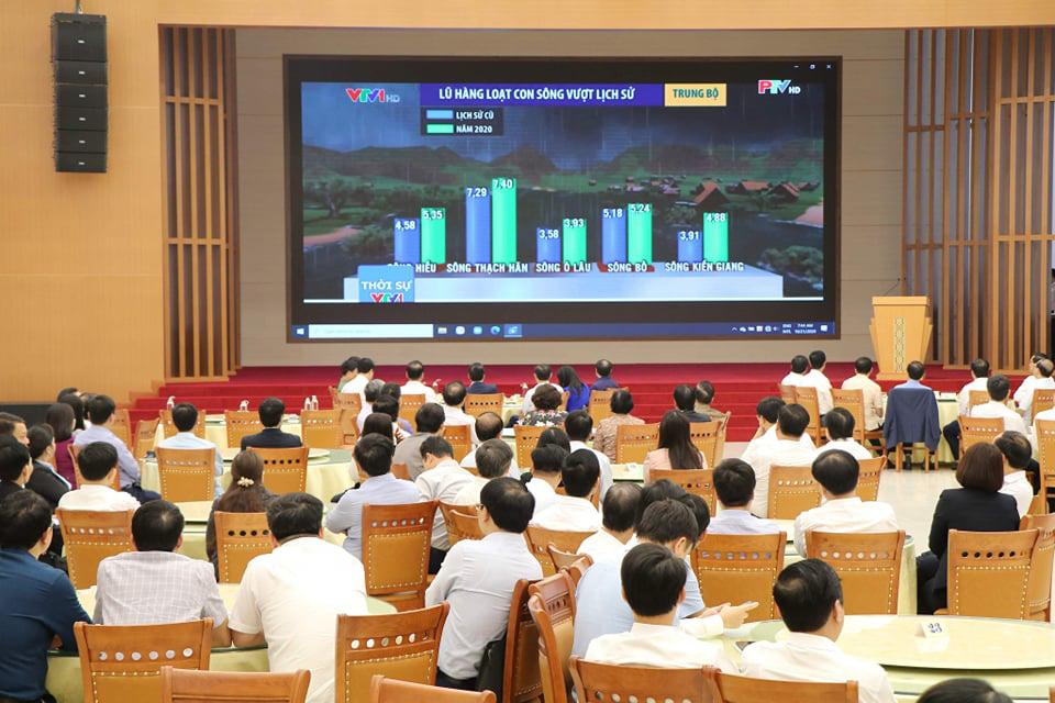 Phú Thọ: Phát động phong trào ủng hộ đồng bào miền Trung bị lũ lụt - Ảnh 1.