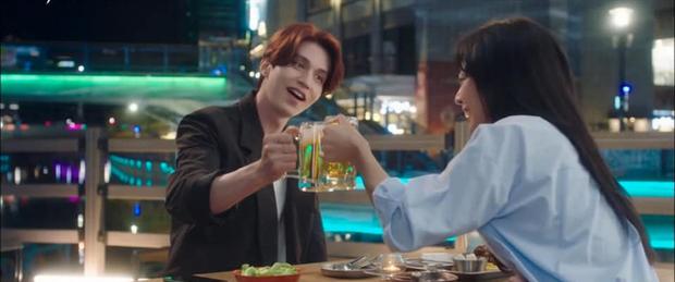 """""""Bạn trai tôi là hồ ly"""" tập 5: Lee Dong Wook cởi áo khoe thân, hôn tới tấp bạn gái - Ảnh 4."""