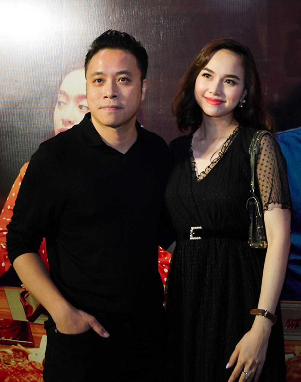 """Khán giả suất chiếu đầu tiên của """"Tiệc trăng máu"""" nô nức chấm điểm tối đa, rời rạp các netizen vội review """"nóng"""" - Ảnh 6."""