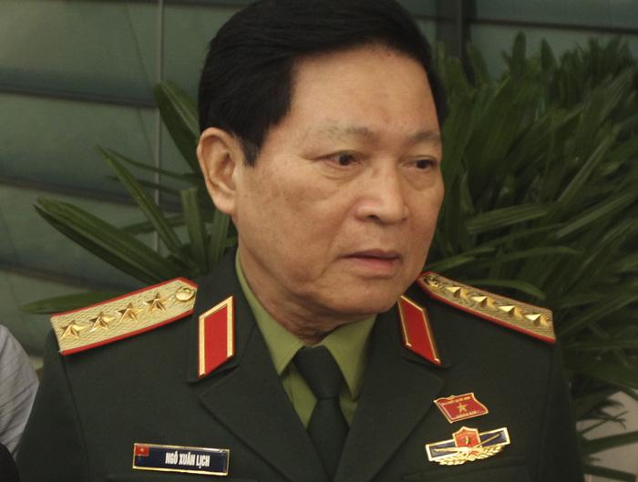 Bộ trưởng Quốc phòng Ngô Xuân Lịch: Sẵn sàng ứng cứu để bảo vệ tài sản, tính mạng nhân dân - Ảnh 1.